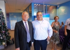 Gerard van den Tweel met supermarktmanager Robert-Jan van Meeteren